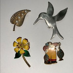 Jewelry - Four brooch pins